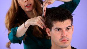 мъжко подстригване с ножица