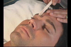 Waxing eyebrows - Men
